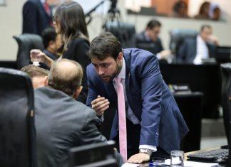 Ulysses Moraes em planário