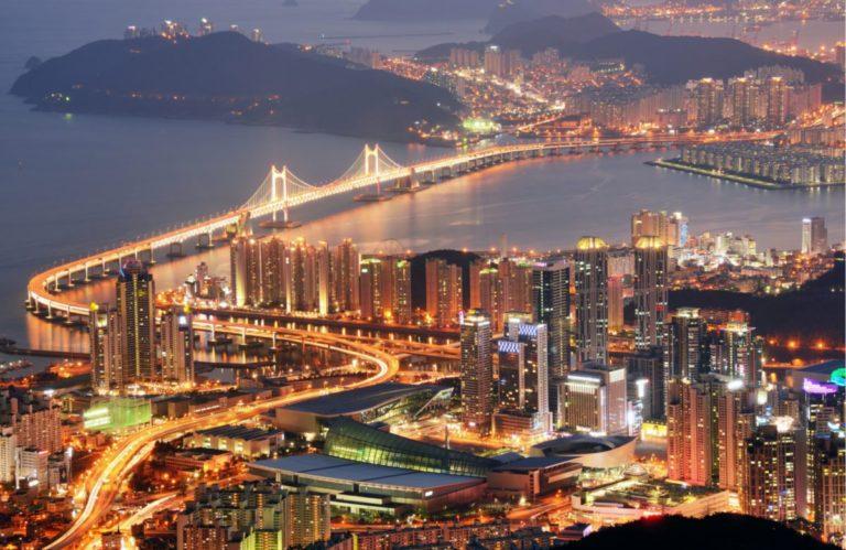 Coréia do Sul preservou a sociedade aberta e agora as taxas de infecção estão caindo